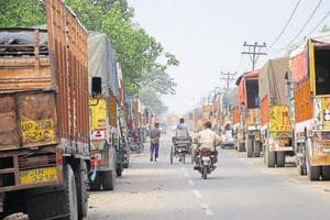The Union road transport and highways ministry's ambitious vehicle scrapping policy, which proposed a mandatory cap of 20 years on the life of all commercial vehicles starting in 2020, has hit a roadblock.