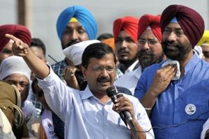 Delhi CM and AAP national convener Arvind Kejriwal with party MLA Sukhpal Singh Khaira at a rally in Gurdaspur district before 2017 assembly polls.