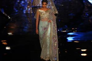 How does a modern bride interpret her version of a saree. Designer Suneet Varma made it easy for every to-be-bride with his show at the India Couture Week 2018 on Friday.