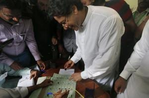 The Election Commission of Pakistan had issued a notice to Imran Khan for violating the secrecy of ballot