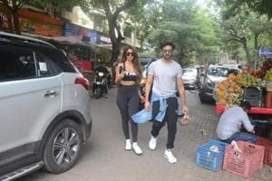 Kartik Aaryan and his girlfriend Dimple were seen at Mumbai.