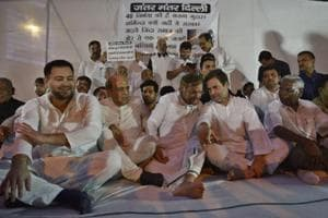 (From left) RJD leader Tejashwi Prasad Yadav, TMC's Dinesh Trivedi, Loktantrik Janata Dal leader Sharad Yadav, Congress chief Rahul Gandhi and CPI parliamentarian D Raja during a protest in Delhi on Saturday against the sexual abuse of girls at a shelter home in Muzaffarpur.