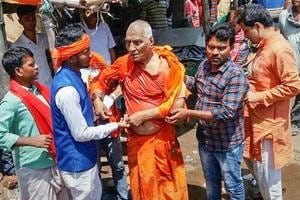 Swami Agnivesh, who was in Jharkhand's Pakur to attend an event on July 18, was in his hotel when a group of ABVP and BJYM workers allegedly thrashed him.