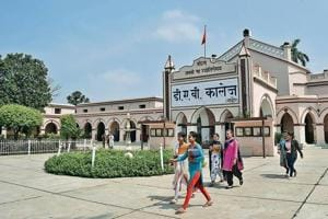 The country's oldest college under the fold of the Dayanand Anglo Vedic (DAV) institutions lies nestled on a road that suddenly forks right near the Jagadhri Gate on the usually bustling Ambala-Hisar road.