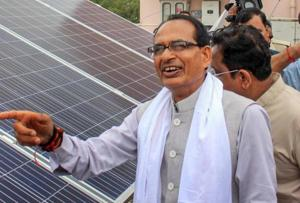 Madhya Pradesh Chief Minister Shivraj Singh Chouhan promised drinking water schemes worth Rs 800 crore and Rs 800 for a quintal of garlic and half that price for onion.