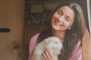 Alia Bhatt with her cat Edward Bhatt.