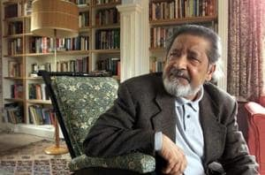 British author VS Naipaul at his home near Salisbury, Wiltshire, October 11, 2001 after it was announced that he has been awarded the Nobel Prize for Literature.