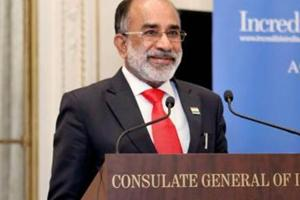 Union minister of state for tourism KJ Alphons said Kerala finance minister Thomas Isaac is 'always complaining' and he never visited the flood-affected areas himself.