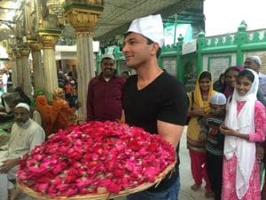 Celebrity chef Vikas Khanna observed roza for 26 years, hoping to meet the family that saved his life.