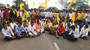 Dhangar community members protest against the state's inaction to fulfil their reservation demands, in Aurangabad on Monday.