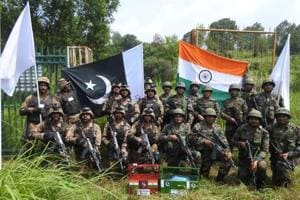 Indian Army & Pakistan Army exchange sweets on the occasion of #EidAlAdha at Poonch's Chakan Da Bagh Crossing point.