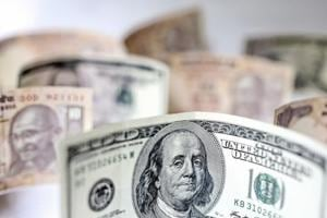 With the rise in the dollar and interest rates already squeezing emerging economies just as US President Donald Trump's trade war threatens China, the US is set to be the only Group of Seven nation to see economic growth accelerate this year as Trump's tax cuts kick in.