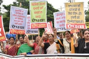AIPWA activists taking out a protest march against Bihiya incident, in Patna on Wednesday.