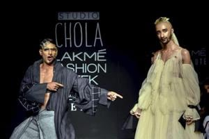 In a major win for gender fluid fashion, actor Prateik Babbar walks the ramp for Chola The Label in drag.