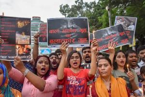 People protest march against thef Muzaffarpur shelter home sexual abuse case, in Patna on August 05, 2018.