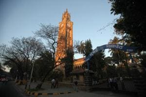 The University of Mumbai (MU) has failed to deposit the provident fund (PF) deducted from salaries of its contractual employees between April 2009 and December 2016 in their accounts.
