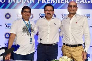 File photo of Delhi Daredevils CEO Hemant Dua (right).