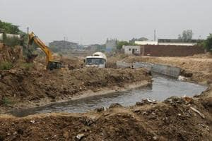 HSVP had installed additional pipelines in a 600-metre portion of the Badshahpur drain at Khandsa village after it failed to remove structures allegedly encroaching the space and build a concrete drain in the said portion as per a previous plan.