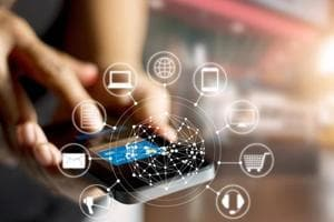 A parliamentary committee wants the government to give incentives for  use of digital payment tools like phone apps, e-wallets, credit cards.