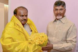 Karnataka chief minister HD Kumaraswamy with his Andhra Pradesh counterpart N Chandrababu Naidu in Vijayawada on Friday.