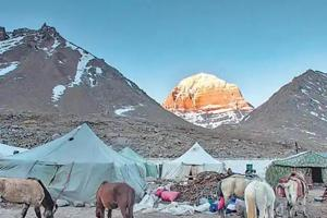 The 14km arduous uphill journey starts from Harsar base camp and concludes at the Maimahesh Lake, located at 13,500 feet in Pir Panjal range of the Himalayas.