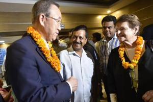 Former Norwegian prime minister Gro Harlem Brundtland , United Nations secretary general Ban Ki-Moon and Delhi chief minister Arvind Kejriwal visit a mohalla clinic at Paschim Vihar in New Delhi on Friday.
