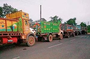 In Virar, police spotted 43 trucks parked on the roadside. (HT Photo)