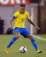 Neymar controls the ball during the international friendly match between Brazil and the USA