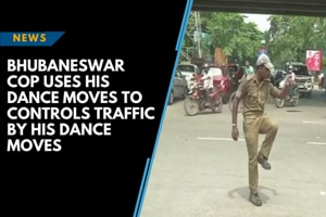 Watch: Bhubaneswar cop uses his dance moves to controls traffic by his dance...