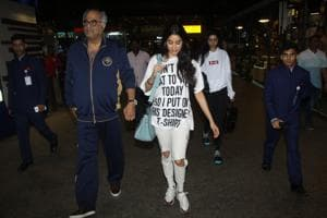 Boney Kapoor arrives back in Mumbai with his daughters Janhvi Kapoor and Khushi Kapoor.