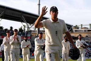 India vs England: Hosts close in on victory at Oval