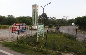 The Supreme Court ordered the demolition of all buildings in Faridabad's Kant Enclave, which were constructed after August 18, 1992. Kant Enclave is located in the Aravalli Hills.