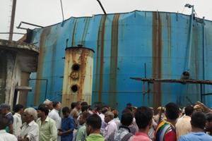Six people died and  several others were injured in a gas tanker blast at a factory in Uttar Pradesh's Bijnor.