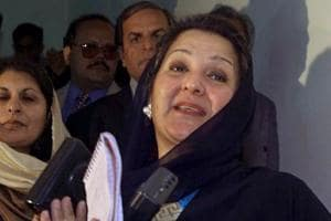 FILE - In this Dec. 9, 2000 file photo, Kulsoom Nawaz, wife of former Pakistani Prime Minister Nawaz Sharif, talks to reporters in Islamabad, Pakistan.