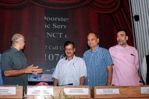Delhi chief minister Arvind Kejriwal and deputy CM Manish Sisodia at the launch of doorstep services delivery scheme.