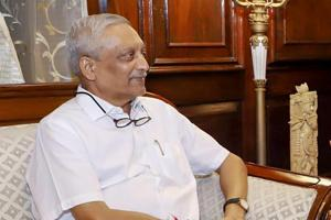 Goa CM Manohar Parrikar spoke to Amit Shah and briefed him about the political situation in the state, a BJP leader told PTI.