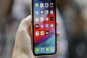 Did software issues force Apple to delay iPhone XRsales?