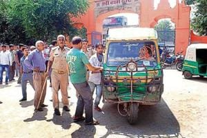 During the drive on Monday, nearly 122 autorickshaws were seized from the Sihani Gate police station area, while Indirapuram police seized another 140 autos.