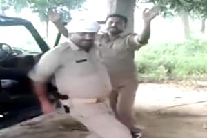 The police have identified the constables in the video as as Brajesh Kumar, Subodh and Kuldeep. (Screenshot)