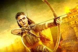 Fatima Sana Shaikh's character from Thugs of Hindostan gets an epic motion poster ahead of the movie's release on Diwali. (YouTube)