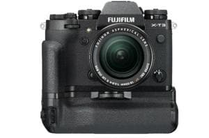 Fujifilm X-T3 is available in two colour options of black and silver.
