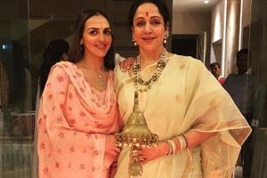 Ganesh Chaturthi 2018: Esha Deol and mother Hema Malini ring in the festivities together.