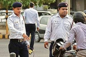 The Delhi Traffic Police has started a crackdown on lane violations to make commuting safer. In the last three months, the traffic department fined 563 drivers for moving across lanes, as part of a special drive.