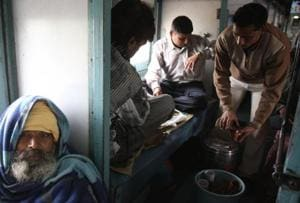 Standard tea (not dip tea) served in trains will continue to be sold at Rs 5.