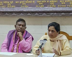 BSP supremo Mayawati and Janata Congress (Chhatisgarh) president Ajit Jogi at a press conference, Lucknow, September 20