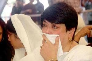 Kalpana Lajmi, who had been fighting a kidney-related ailment, died in Mumbai on Sunday.