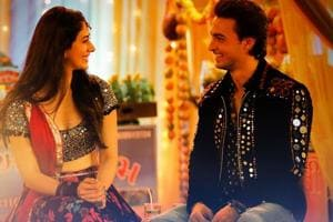 Warina Hussain and Aayush Sharma dance to Dholida in LoveYatri.