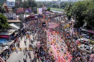 Ganeshotsav 2018: City bids adieu to 'Bappa' amidst dhol tasha beats and chaos