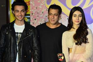 Salman Khan with Loveyatri actors Warina Hussain and Aayush Sharma.