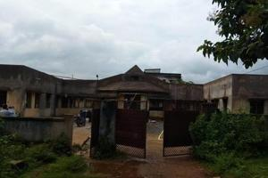 An unused hospital building in Jharkhand's West Singhbhum district.